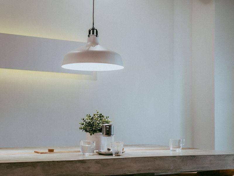 Minimalistisch Wohnen: Farbakzente U0026 Materialien